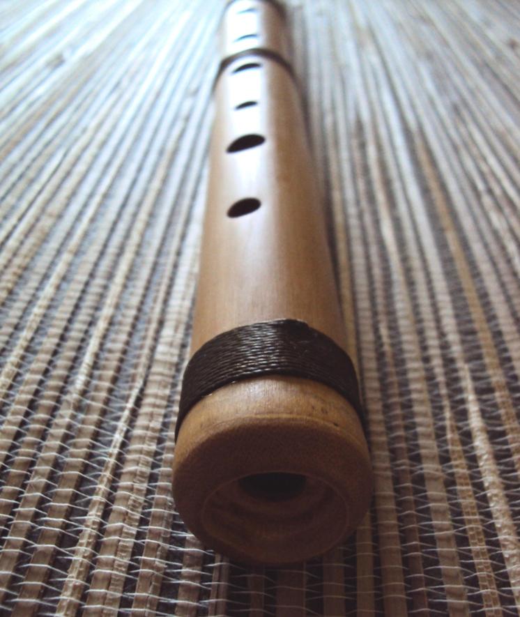 бамбуковая продольная индейская флейта