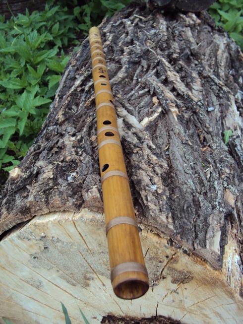 поперечная бамбуковая флейта бансури